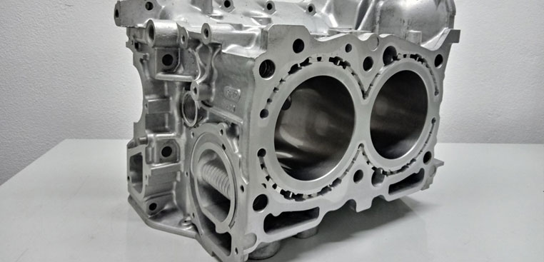 closing-the-deck-of-SUBARU-engine-blocks-ej20-ej25